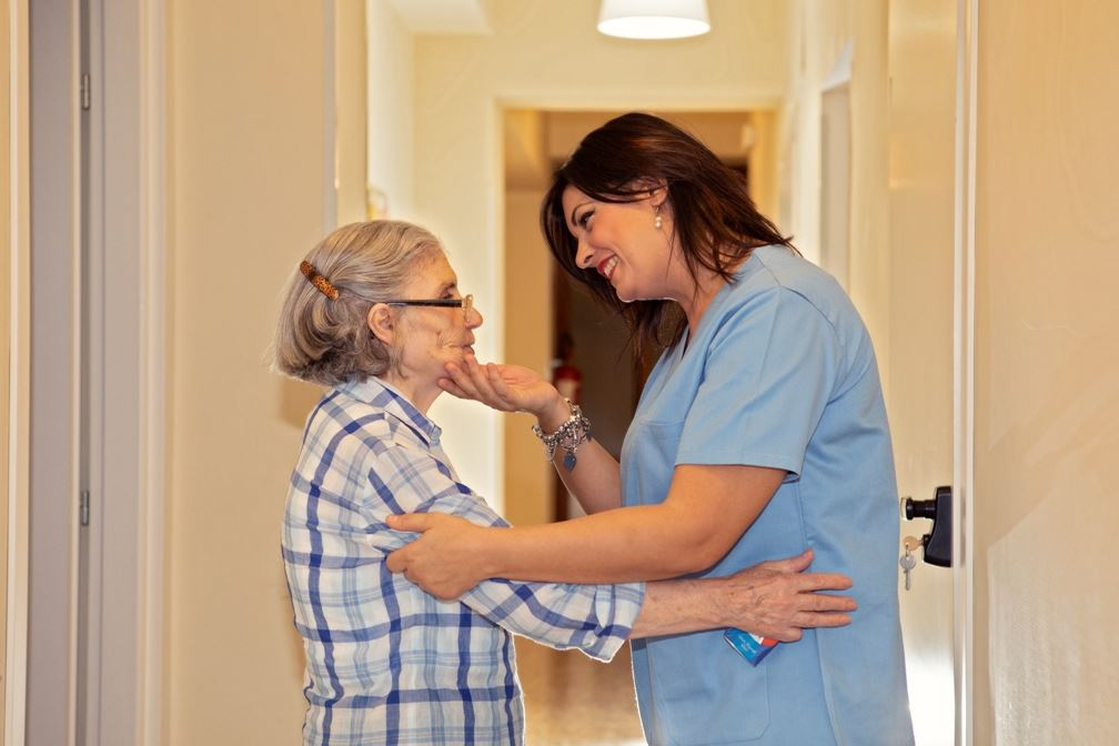 1. Assistenza e cura della pers. - - Il Sorriso Residenze Anziani