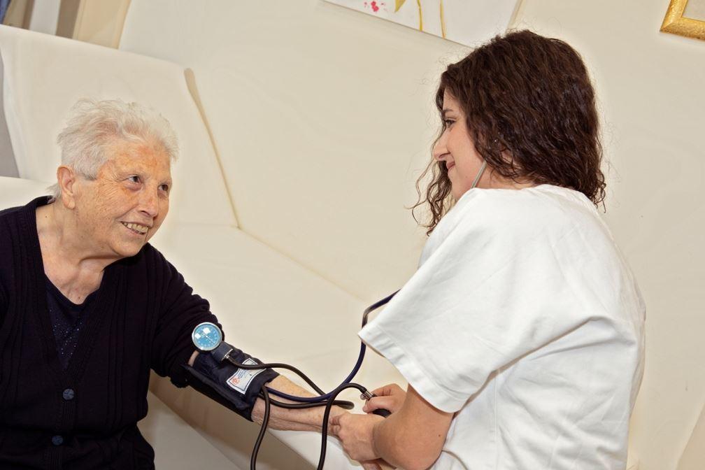 3. Assistenza Infermieristica - - Il Sorriso Residenze Anziani