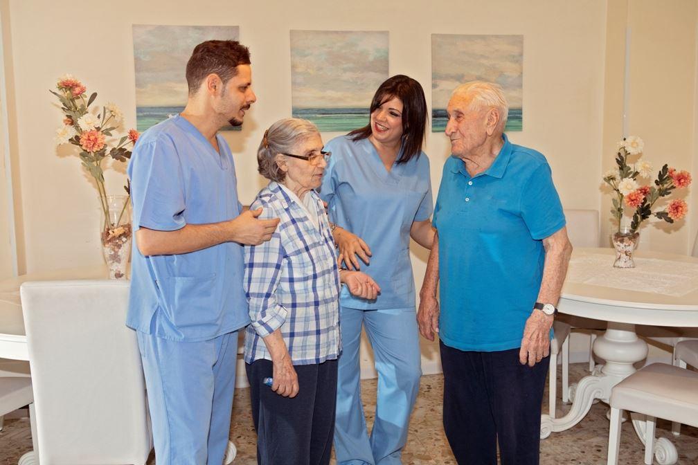 4. Autosufficienti e non autosufficienti - - Il Sorriso Residenze Anziani